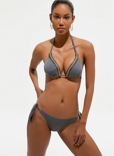 Loves You Triko ve Aksesuar Detaylı Boyundan Bağlamalı Bikini Takım Siyah